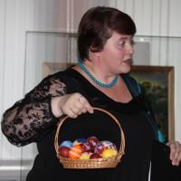 И.В. Шило приглашает к катанию яиц