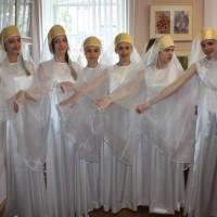 Хореографический коллектив в новых костюмах
