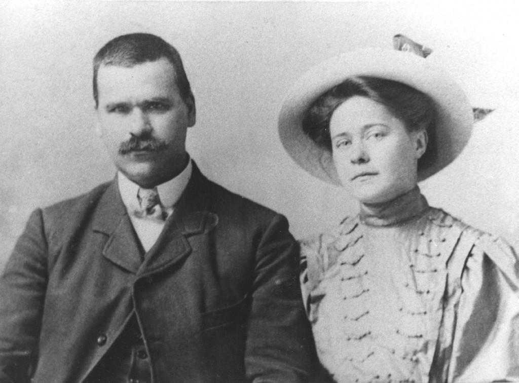 1.Ф.В. и Л.В. Сычковы. Рим. 1908